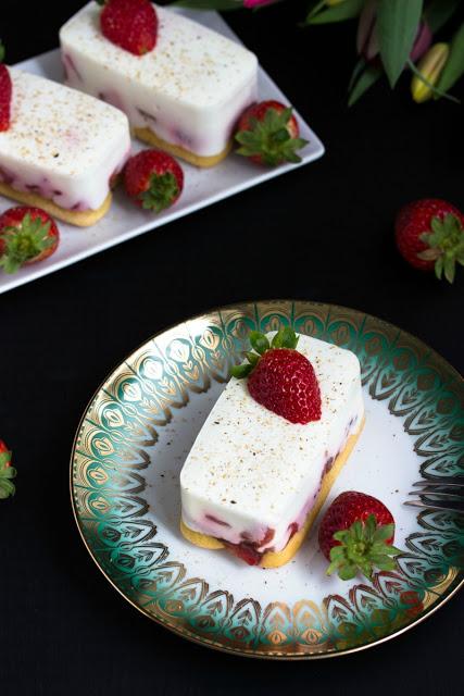 Tiramisu mit Balsamico-Erdbeeren, Skyr und Licor43 4