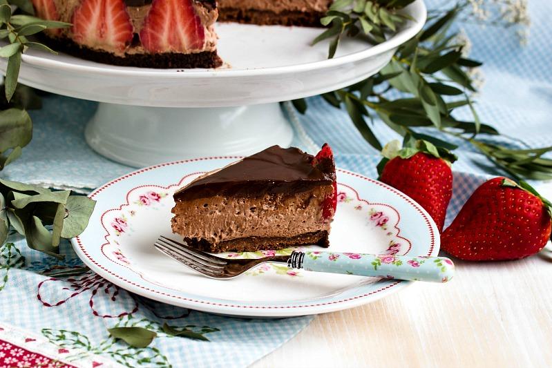 Glutenfreie Erdbeer-Schokomousse Torte 29