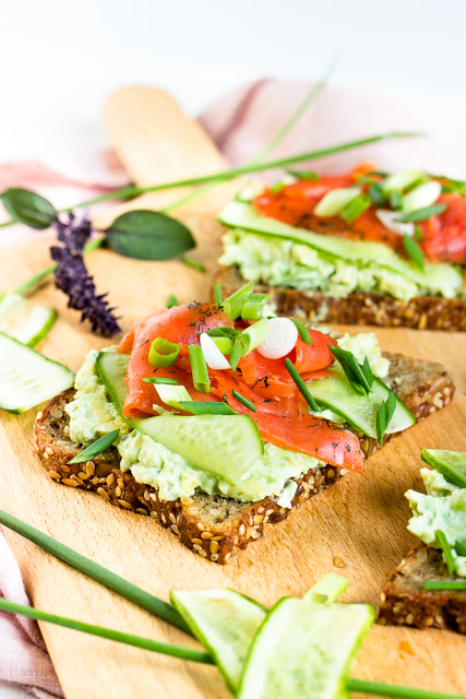 Lachs-Avocado Brote