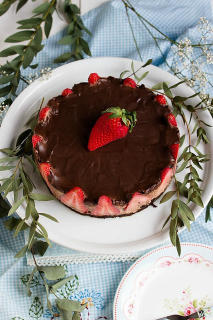 Glutenfreie Erdbeer-Schokomousse Torte 32