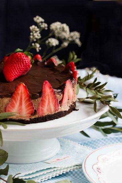 Glutenfreie Erdbeer-Schokomousse Torte 31