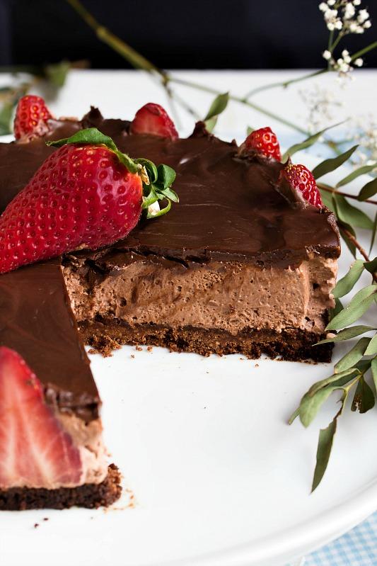 Glutenfreie Erdbeer-Schokomousse Torte 39