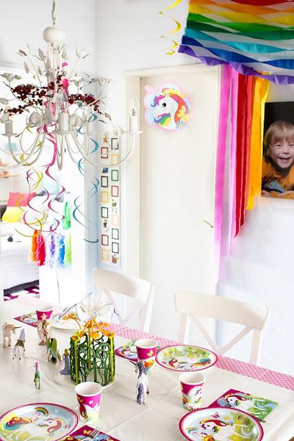 Ideen für eine tolle Einhorn / Regenbogen Party 36
