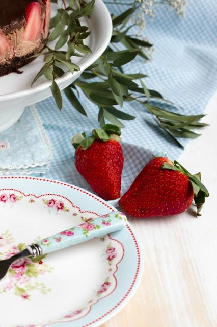 Glutenfreie Erdbeer-Schokomousse Torte 34