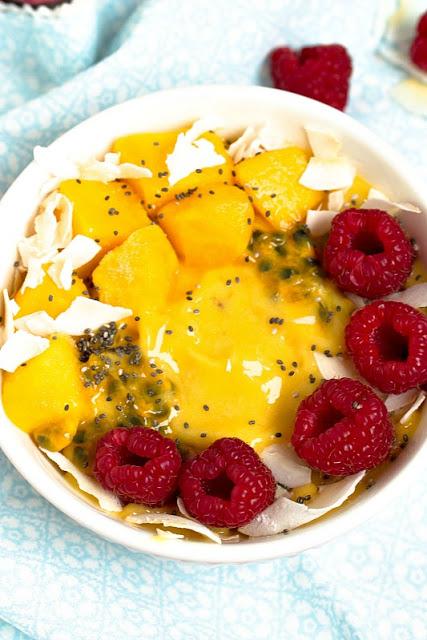 "Mango-Ananas Smoothie Bowl ""Mein Frühstücksglück"" 11"