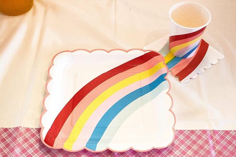 Ideen für eine tolle Einhorn / Regenbogen Party 52