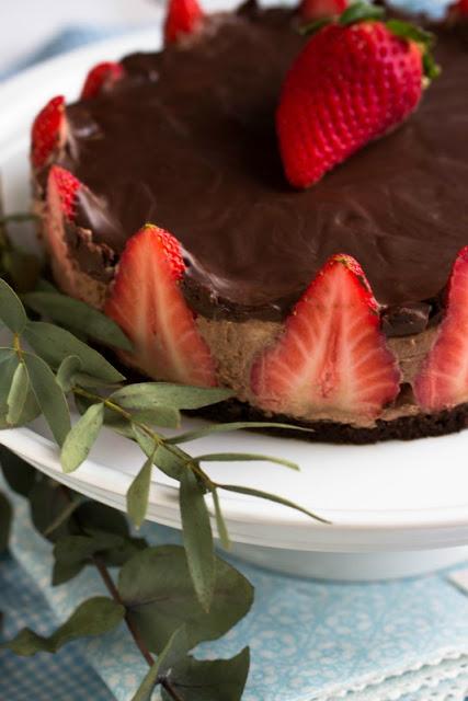 Glutenfreie Erdbeer-Schokomousse Torte 37