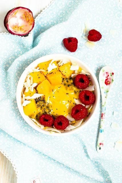 "Mango-Ananas Smoothie Bowl ""Mein Frühstücksglück"" 10"