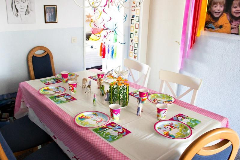 Ideen für eine tolle Einhorn / Regenbogen Party 38