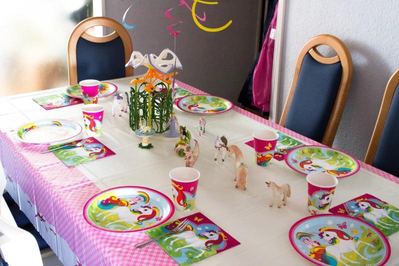 Ideen für eine tolle Einhorn / Regenbogen Party 34