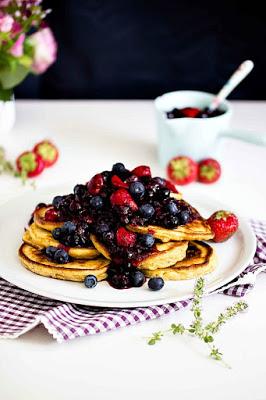 Zitronen-Ricotta Pancakes mit Thymian und Blaubeersauce 6