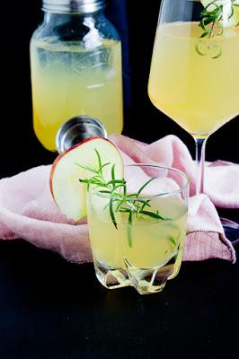 Apfel-Holunderblüten Gin Fizz - Sommerzeit ist Cocktailzeit 31