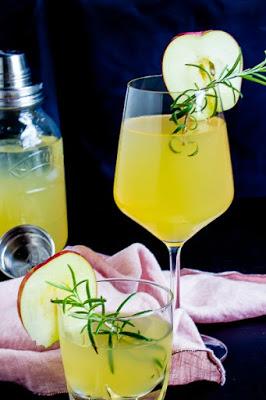 Apfel-Holunderblüten Gin Fizz - Sommerzeit ist Cocktailzeit 34