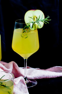 Apfel-Holunderblüten Gin Fizz - Sommerzeit ist Cocktailzeit 4