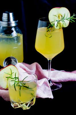 Apfel-Holunderblüten Gin Fizz - Sommerzeit ist Cocktailzeit 10