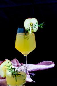 Apfel Holunderblüten Gin Fizz