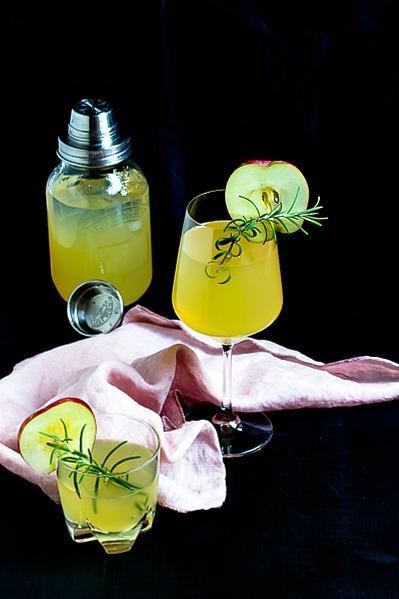 Apfel-Holunderblüten Gin Fizz - Sommerzeit ist Cocktailzeit 33
