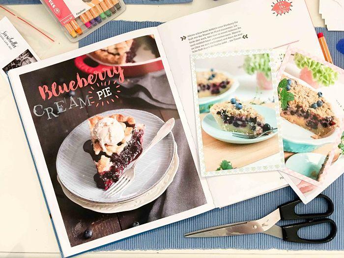"""Cremiger Blaubeer Pie mit Knusperstreuseln -""""Bake in the USA"""" ein Buch auf Reisen 8"""