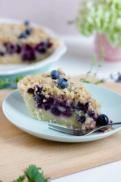"""Cremiger Blaubeer Pie mit Knusperstreuseln -""""Bake in the USA"""" ein Buch auf Reisen 45"""