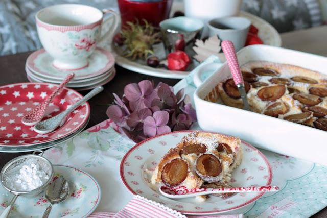 Schneller, einfacher Rührkuchen mit Gewürzen und Pflaumen 14