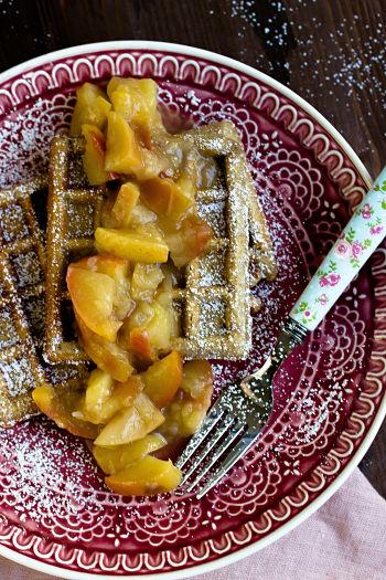 Honig-Waffeln mit Apfel-Quitten Kompott 3