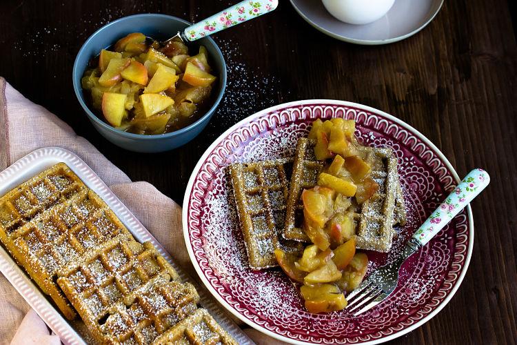 Honig-Waffeln mit Apfel-Quitten Kompott 11