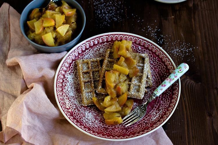 Honig-Waffeln mit Apfel-Quitten Kompott 5