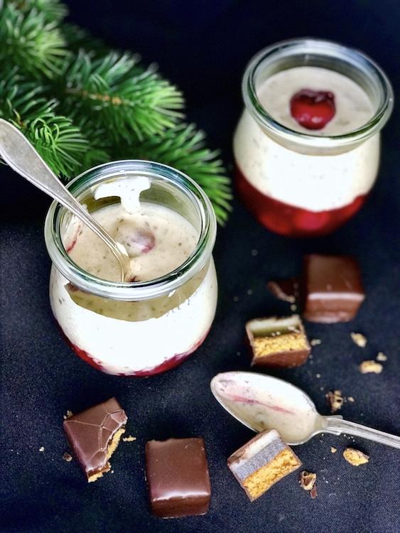 Dominostein Dessert mit Kirschen / Adventskalender Türchen 12 13