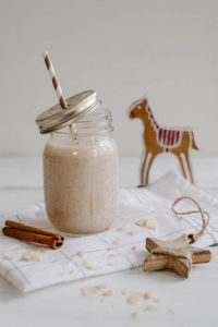 Weihnachtlicher Mandel-Erdnuss-Bananen Shake – Türchen 7