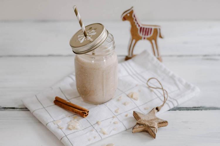 Weihnachtlicher Mandel-Erdnuss-Bananen Shake - Türchen 7 4