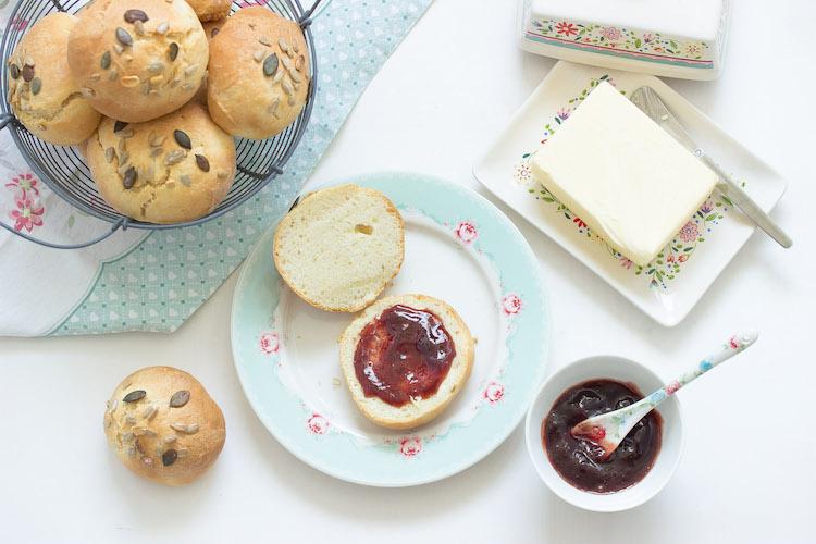 Einfache Sonntagsbrötchen - Mein Frühstücksglück 19