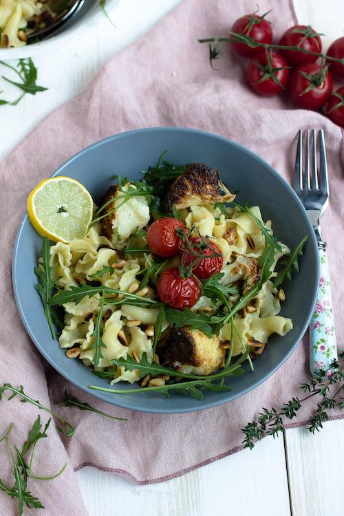 Pasta mit geröstetem Blumenkohl und Knoblauch-Zitronensauce - Pastaliebe im Januar 38
