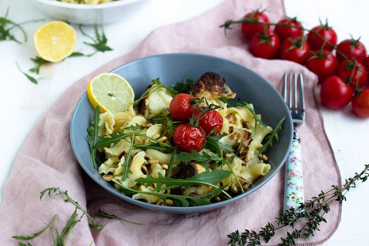 Pasta mit geröstetem Blumenkohl und Knoblauch-Zitronensauce - Pastaliebe im Januar 37