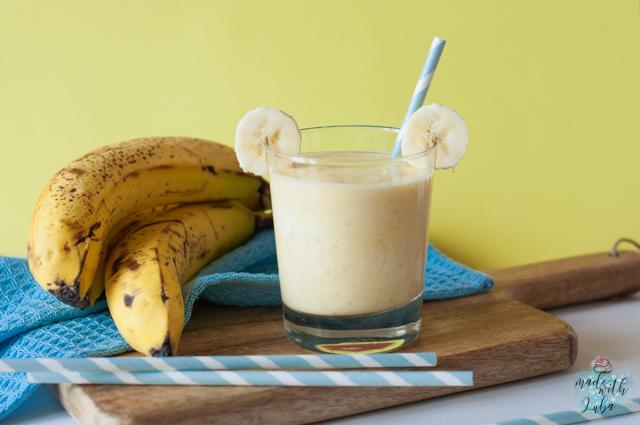 Gesunder Bananen-Mango Smoothie