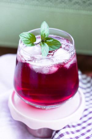 Brombeer Gin Tonic -ein erfrischender Sommerdrink
