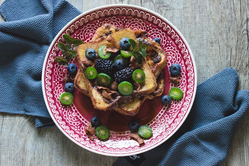 French Toast mit Gewürzen, ein leckeres Winterfrühstück.