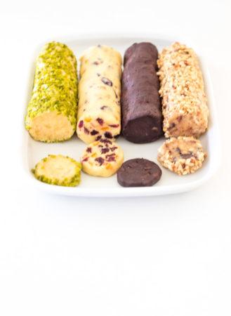 Kekse von der Rolle in vier weihnachtlichen Sorten