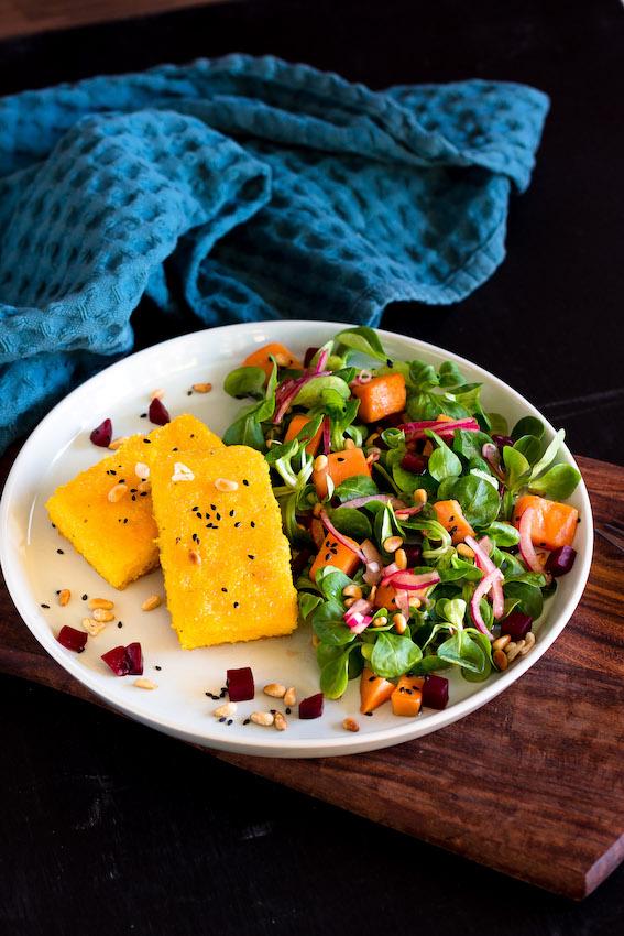 Wintersalat mit Polentaschnitten -vegetarisch und glutenfrei