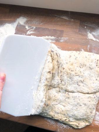 Buttermilch-Dinkelbrot mit Kräutern 1