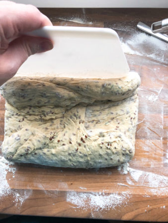 Buttermilch-Dinkelbrot mit Kräutern 4
