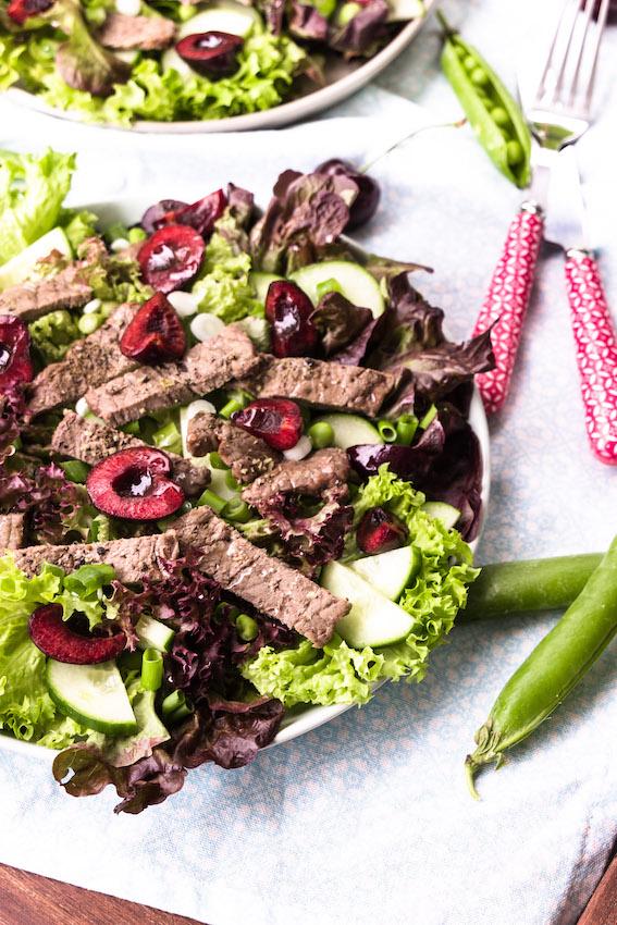 Salat mit Steakstreifen und Kirsch-Balsamico Vinaigrette 1