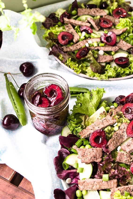 Salat mit Steakstreifen und Kirsch-Balsamico Vinaigrette 2
