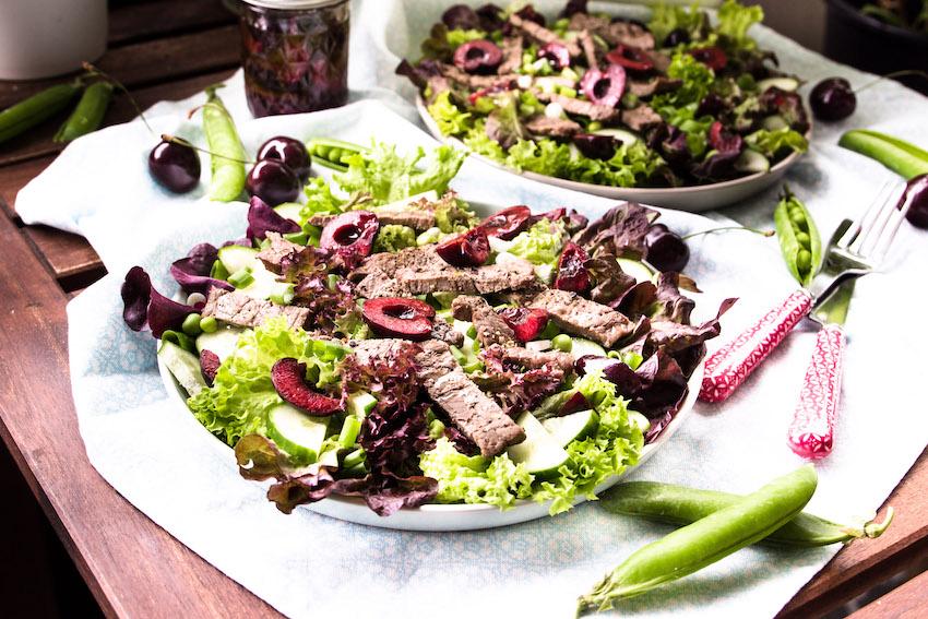 Salat mit Steakstreifen und Kirsch-Balsamico Vinaigrette 4