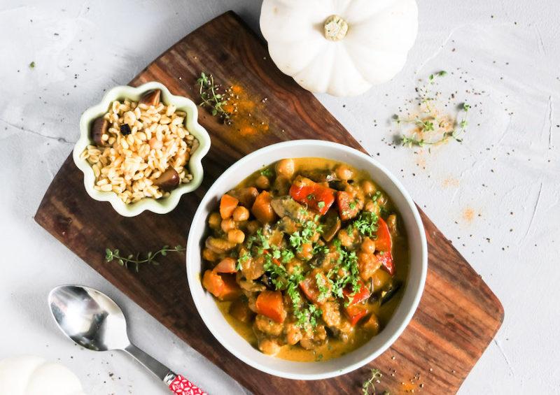 Kürbis Curry mit Kichererbsen und Maronen