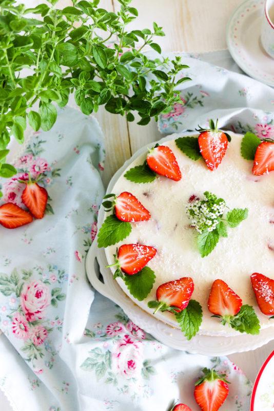 Aromatische Erdbeer Colada Torte 2