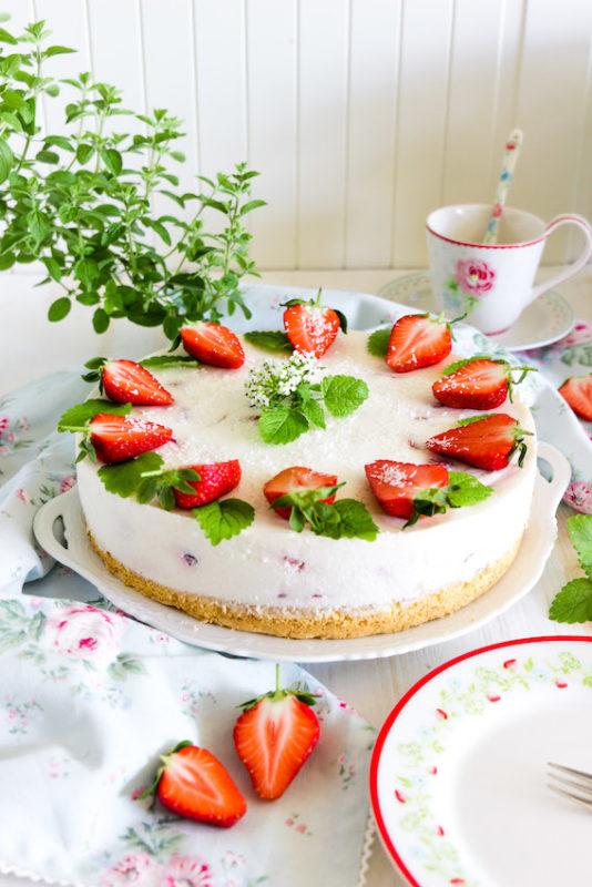 Aromatische Erdbeer Colada Torte 4