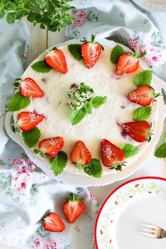 Aromatische Erdbeer Colada Torte 1