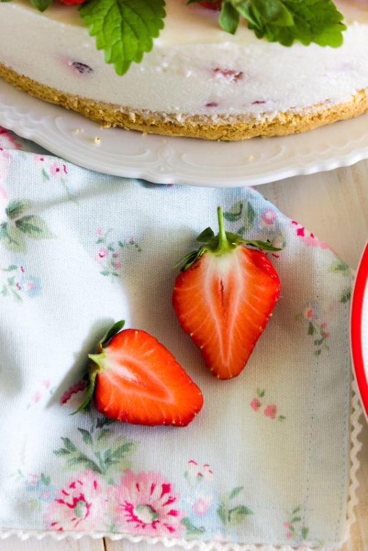 Aromatische Erdbeer Colada Torte 3