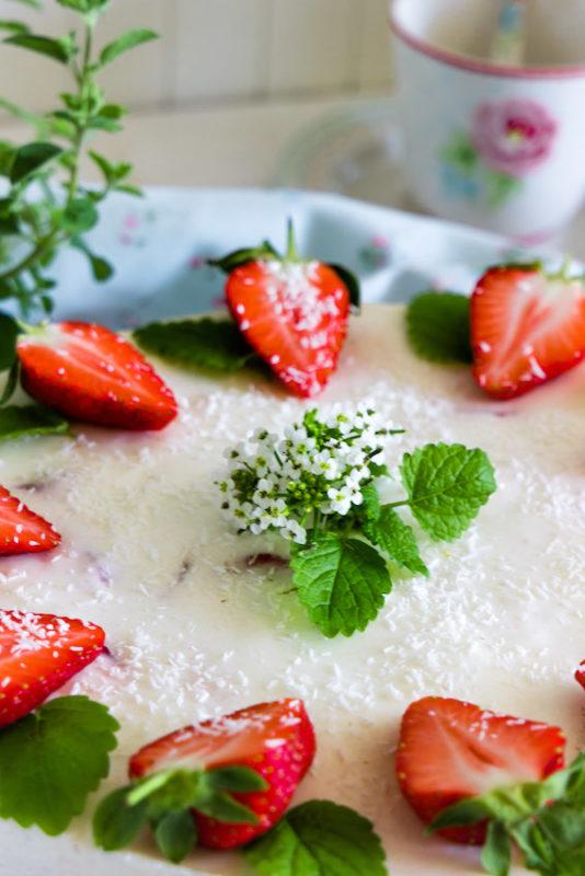 Aromatische Erdbeer Colada Torte 6